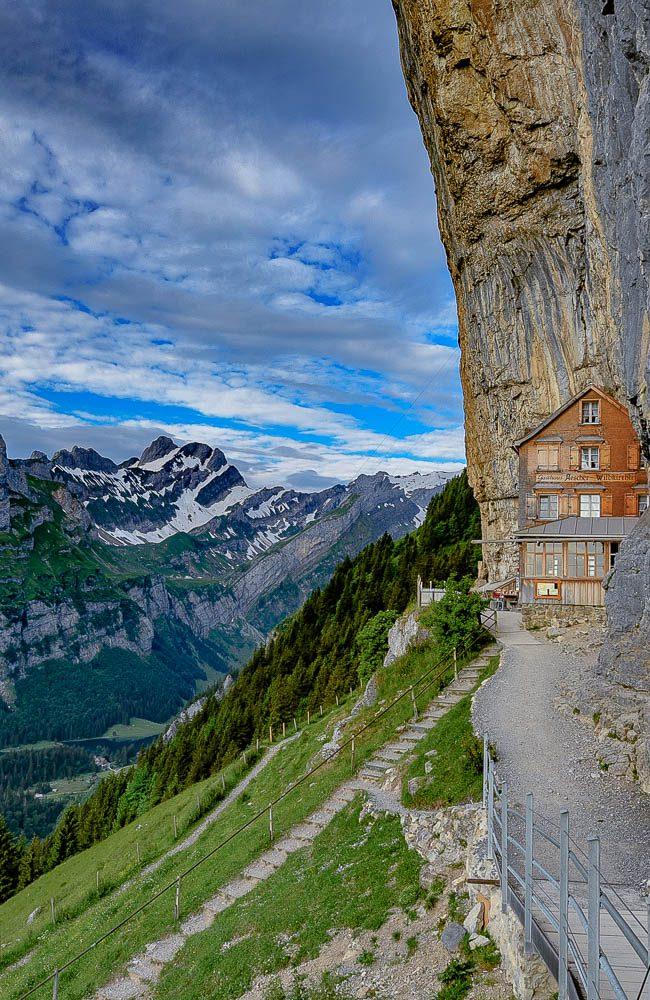 August-  Berggasthaus Aescher-Wildkirchli
