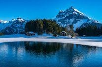 Wandern im Winter Der 3 km lange Winterwanderweg beim See bietet für Wanderer und Schneeschuhläufer einmalige Erholung in der Berglandschaft.