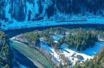 Die Ruinaulta oder Rheinschlucht ist eine bis zu 400 Meter tiefe und rund 13 Kilometer lange Schlucht