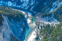 Einziger durchgehender Verkehrsweg durch die Schlucht ist die Strecke der Rhätischen Bahn.