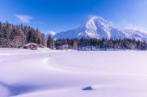 Schneeschuh wandern am  Arnisee