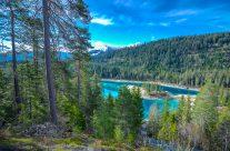 Der Caumasee liegt im Herzen des Flimserwaldes und beeindruckt vor allem mit seinem auffallend türkisgrünen und angenehm kühlen Wasser