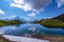 Der Bachalpsee reist als Postkarte um die Welt. Dennoch: Kein Foto vermag die Ausstrahlung des Bergsees zu fassen. Dafür muss man hin und sich selbst ein Bild machen