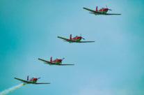 Flugshow mit dem PC 7 Team der  Luftwaffe  in  Sitterdorf